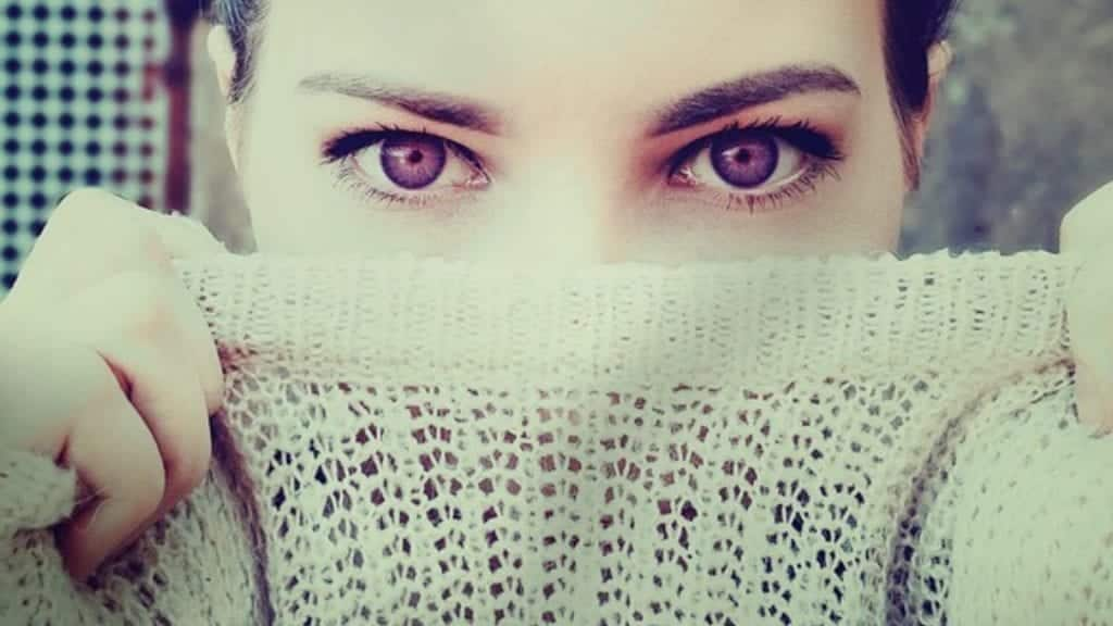 purple eyes woman