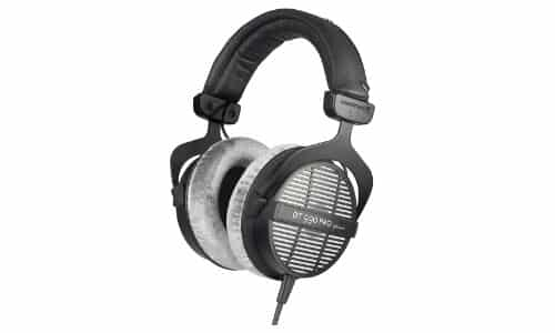 Beyerdynamic-DT-990-Pro headset